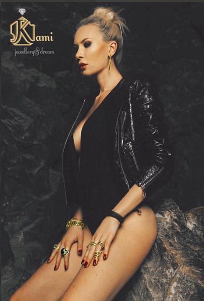Фото Элины Карякиной (Камирен) в рекламе ювелирных изделий Kami