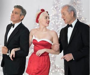 Майли Сайрус, Джордж Клуни и Билл Мюррей фото во время съёмок рождественского шоу