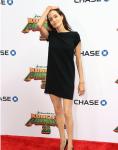 Эта и ей подобные фотографии Анджелины Джоли спровоцировали слухи об анорексии