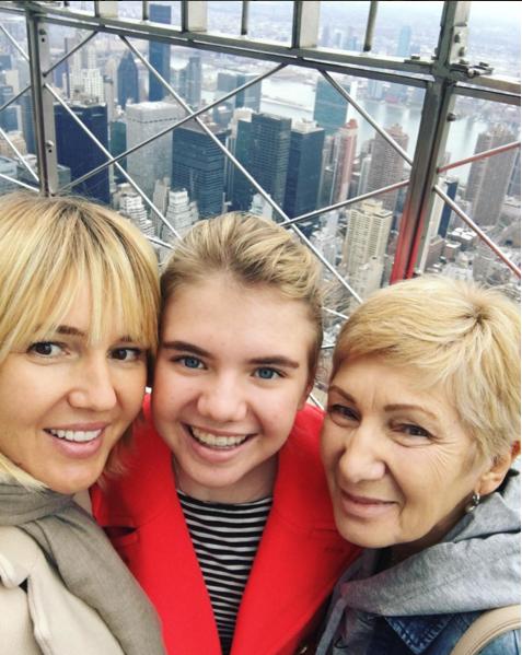 Фото Юлии Бордовских с момай и дочерью Марией во время поездки в Нью-Йорк