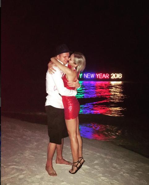 Дмитрий Тарасов и Ольга Бузова встретили 2016 год на Мальдивах, фото из Инстаграма Бузовой