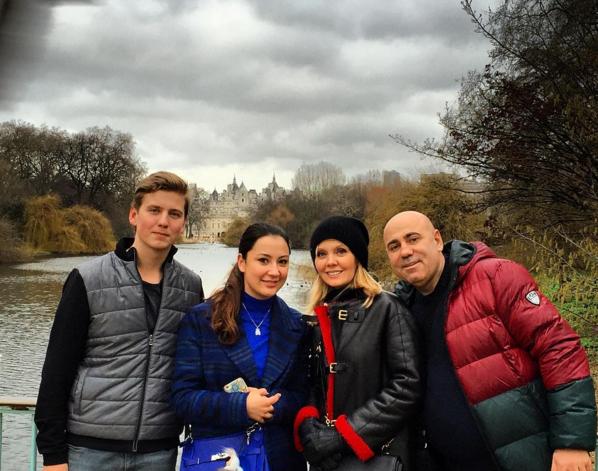 Иосиф Пригожин, Валери со старшим сыном Артемом в Лондоне, фото из Инстаграма январь 2016