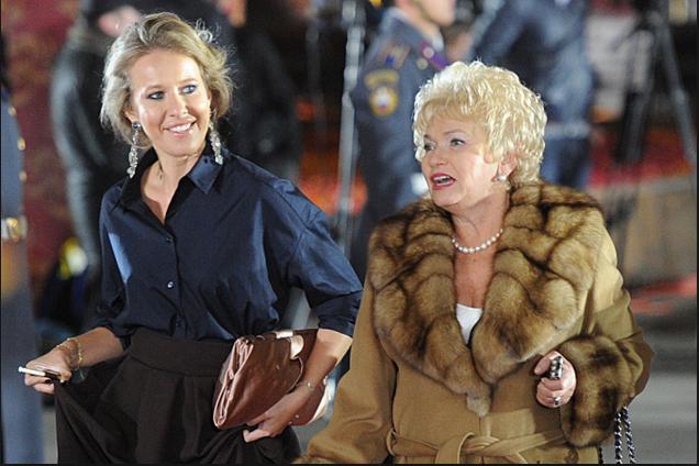 Фото Ксении Собчак с мамой, Людмилой Нарусовой