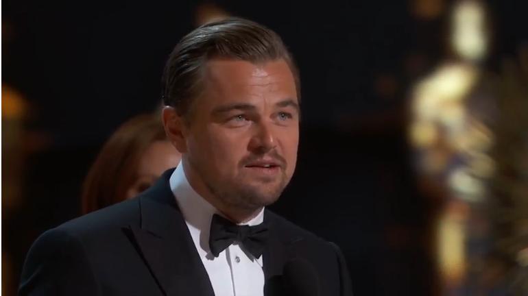 Леонардо Ди Каприо фото 2016 во время получения статуэтки Оскар