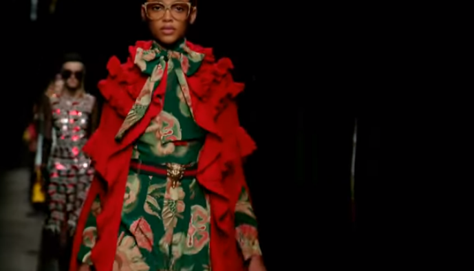 Видео показов Прада, Гуччи, Фенди, осень-зима 2016/2017 на Неделе моды в Милане