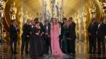 """Фото актерского состава фильма """"В центре внимания"""" во время получения Оскара"""
