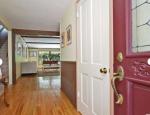 Фото нового жилища Тори Спеллинг с семьёй: коридор