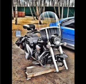 Фото поврежденного мотоцикла Виталия Купера