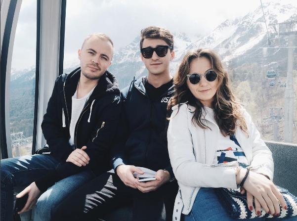 Фото Артема Королева с друзьями в Сочи май 2016