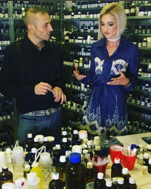 Фото из Инстаграма Ольги Бузовой: процесс работы над созданием духов с Кристофом Лодамьелем