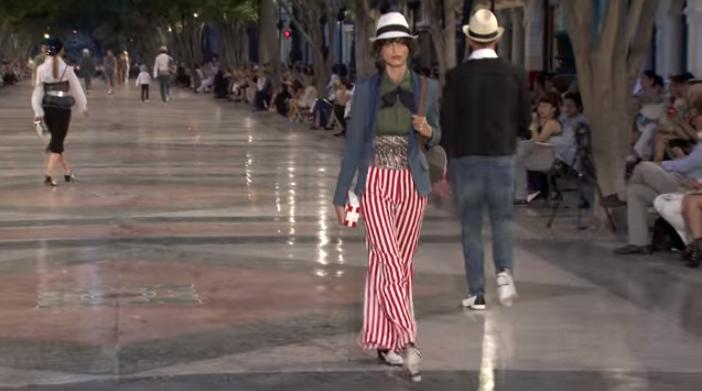 Круизная коллекция Chanel 2016/2017, модный показ на Кубе, видео
