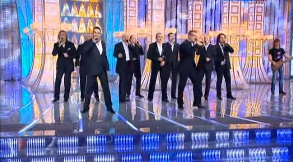 Хор Турецкого: праздничный концерт, попурри из военных песен, видео