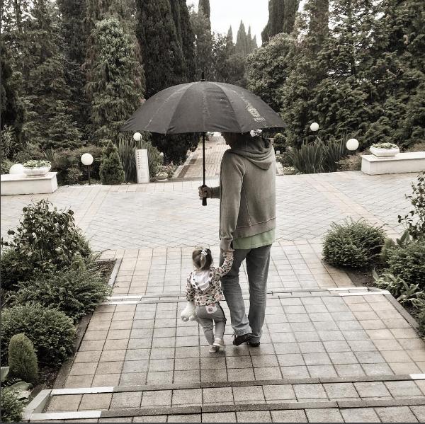 Фото Татьяны Навки с младшей дочерью Надеждой, 2016 год Инстаграм