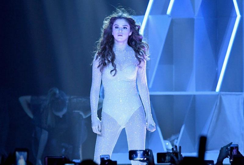 Фото Селены Гомес во время концерта в Лас-Вегасе в мае 2016