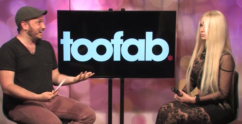 Интервью Валерии Лукьяновой (Барби) порталу TooFab, видео