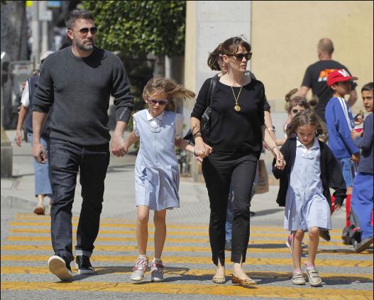 Ben-Affleck-Jennifer-Garner-with-kids