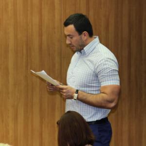 Фото Михаила Терехина на работе, во время судебного заседания, июнь 2016, Инстаграм