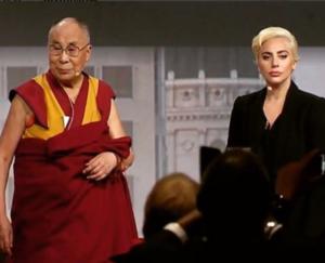 Леди Гага в обществе Далай-ламы, фото июнь 2016