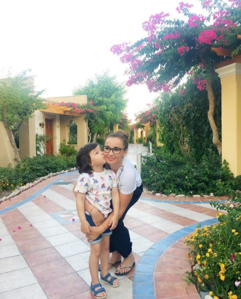 Анфиса Чехова фото с сыном Соломоном на острове Родос, июль 2016
