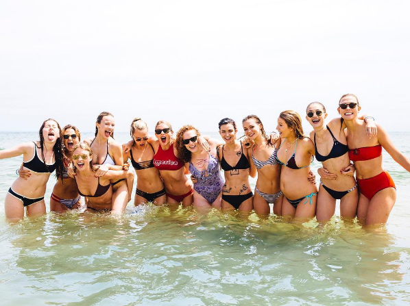 Фото пляжной вечеринки Тейлор Свифт 4 июля 2016, Инстаграм