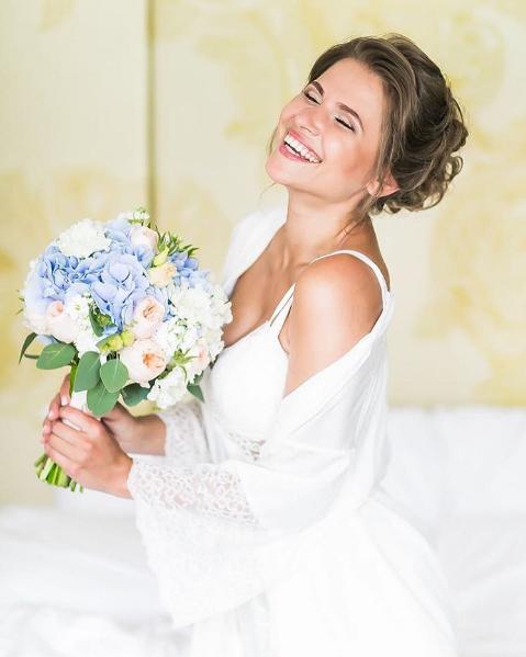 Фото Юлии Топольницкой в день свадьбы 6.06.2016
