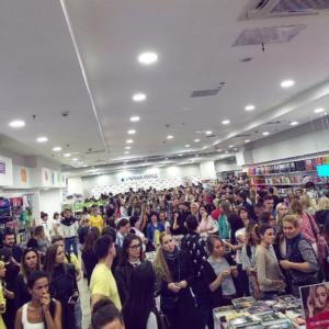 Посетители на презентации книги Ольги Бузовой «Цена счастья» фото из Инстаграма Ольги