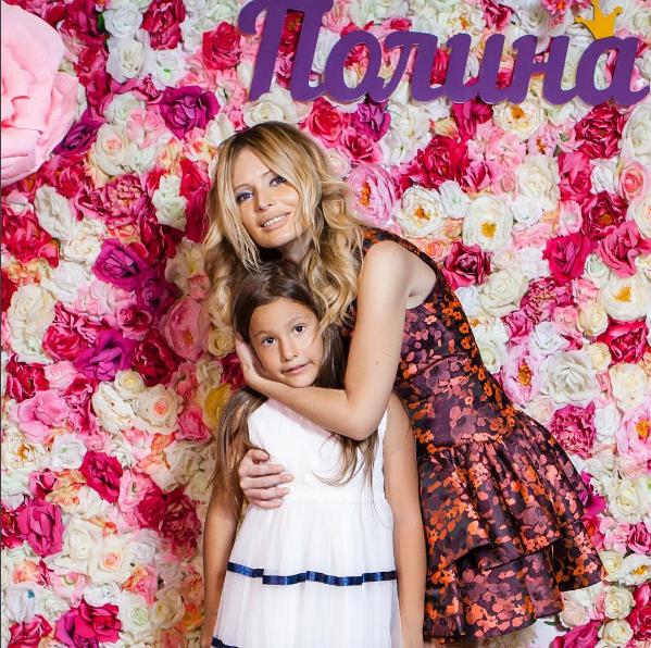 Дана Борисова с дочерью Полиной Аксеновой в день рождения девочки, фото 2016 из Инстаграма