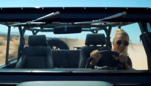 Фото Леди Гага в клипе Perfect Illusion 2016