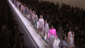 Фото с показа Fendi на Миланской неделе моды в сентябре 2016