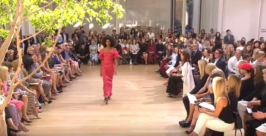 Неделя моды в Нью-Йорке: видео показов Oscar de La Renta, Michael Kors весна-лето 2017