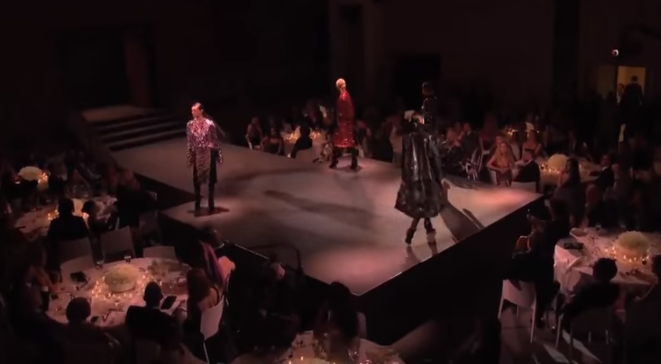 Показ коллекции Том Форд на Неделе моды в Нью-Йорке осень-зима 2016/2017, видео