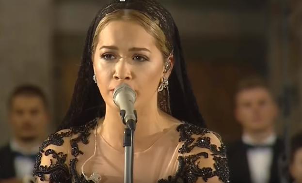 Рита Ора: видео выступления на церемонии в честь канонизации матери Терезы