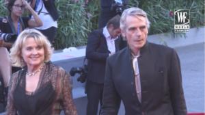 Церемония открытия Венецианского кинофестиваля 2016: на фото Джереми Айронс с супругой Шинейд Кьюсак