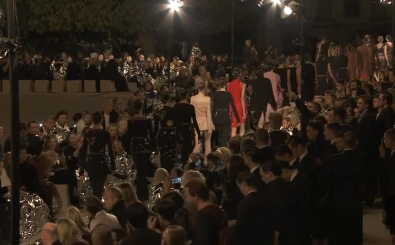 Коллекции Givenchy, Valentino весна-лето 2017 на Неделе моды в Париже, видео