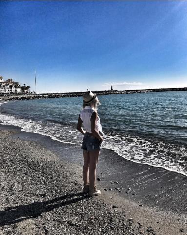 """Фото Ольги Бузовой во время """"испанских каникул"""" в ноябре 2016"""