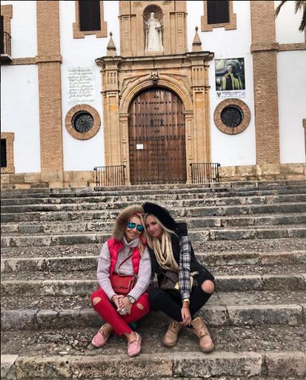 Ольга Бузова и Марина Касаева в Испании фото ноябрь 2016