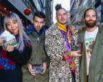 Фото DNCE перед продажей альбомов на улицах Нью-Йорка