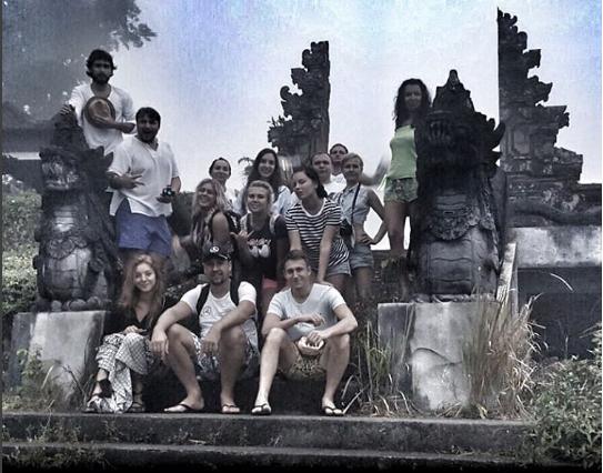 Нелли Ермолаева фото с друзьями на Бали в ноябре 2016