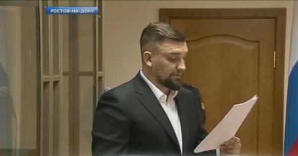 Рэпер Баста (Василий Вакуленко) выступает в суде по иску Децла, декабрь 2016