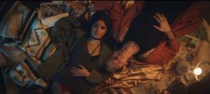 """Фото Камилы Кабелло и рэпера MGK в клипе на сингл """"Bad Things"""""""