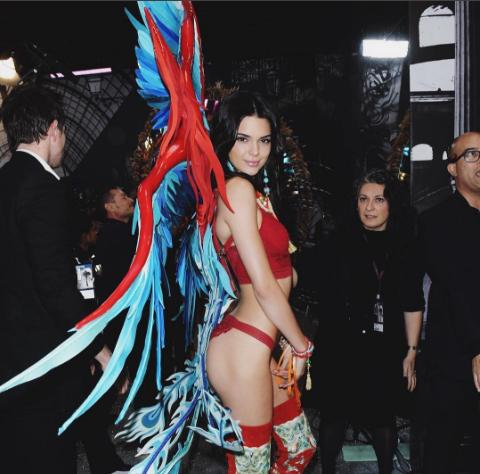 Фанаты Victoria's Secret против Джиджи Хадид и Кендалл Дженнер