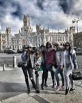 На фото Ольга Бузова с подругами в Испании 2017 год