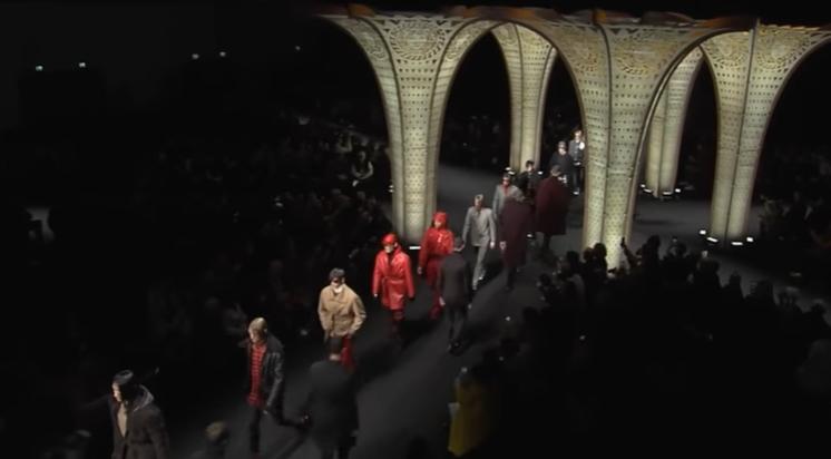 Модные мужские показы Versace, Fendi осень-зима 2017/2018, видео