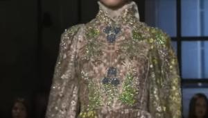 Фото показа Джамбаттиста Валли на парижской неделе высокой моды в январе 2017