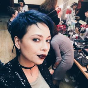 Фото Настасьи Самбурской с синими волосами 2017 год