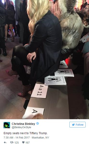 Пост одной из журналисток с фото пустых сидений рядом с Тиффани Трамп на Неделе моды в Нью-Йорке