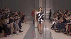 Модный показ коллекции Chloe на Неделе моды в Париже 2017