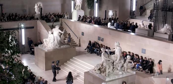 Неделя моды в Париже: коллекция Louis Vuitton осень-зима 2017/2018, видео