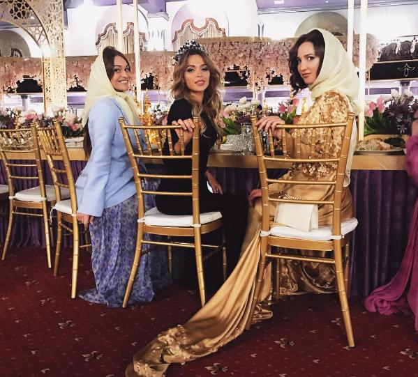 Фото Алены Водонаевой на приёме в Чечне с Ольгой бузовой и Анной Хилькевич