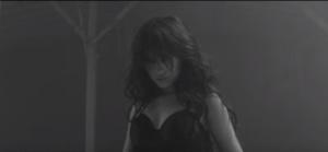 "Камила Кабелло в клипе на песню ""Crying in the Club"""